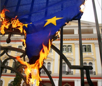 burning-euflag1_Greek_Crisis_EU